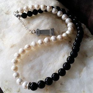 Natural Classic Pearls Necklace Black Onyx